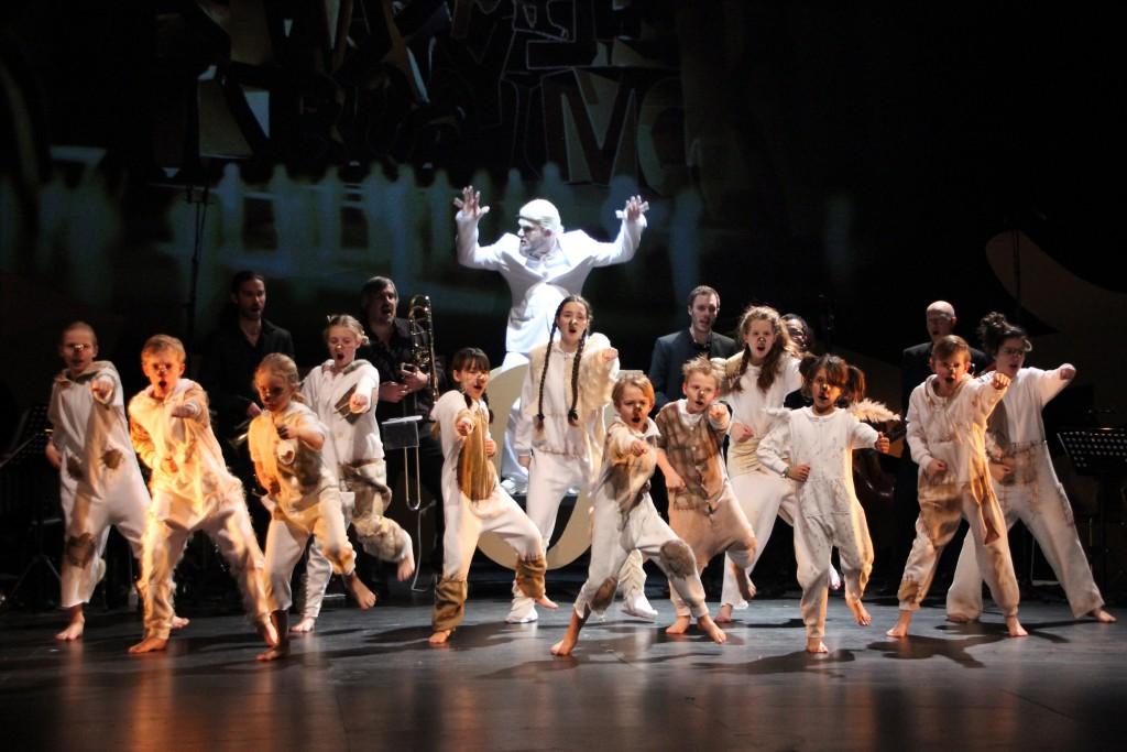 Babel_I_Solisti_del_Vento_Opera_Vlaanderen_HETPALEIS__Emilie_Lauwers____3_kinderkoor + bas